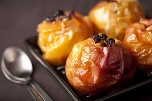 Baked apples are a delicious dessert with a wonderful aroma.